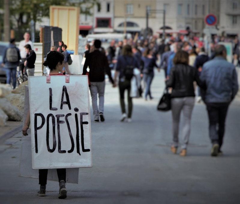 La poesie est dans la rue