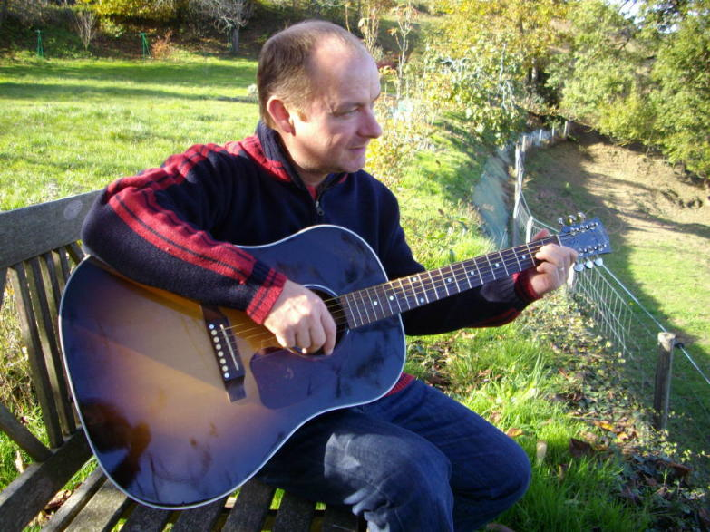 Colibam on guitar